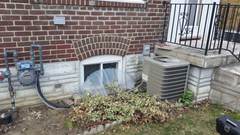 gas meter and AC unit in East York