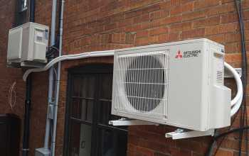 Which is Better, Ductless or Central Air Conditioning?